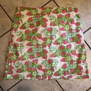 EUC Lilly Pulitzer Strawberry Creme Fraiche skirt